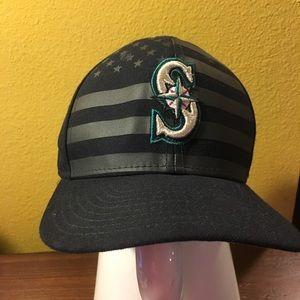 Seattle Mariners cap stars & stripes